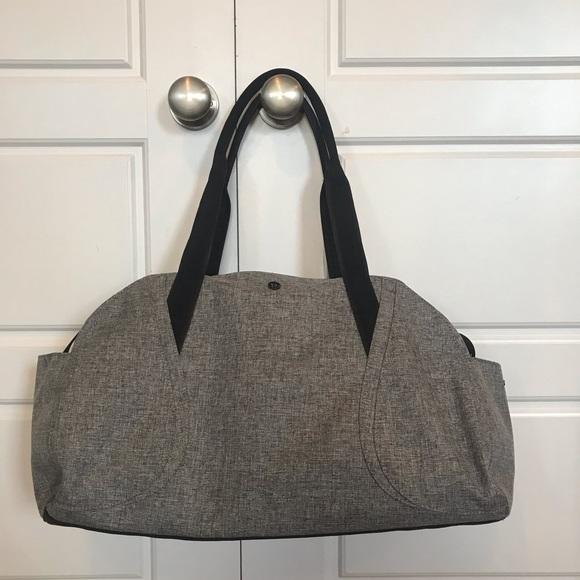lululemon athletica Handbags - Lululemon 33L duffle